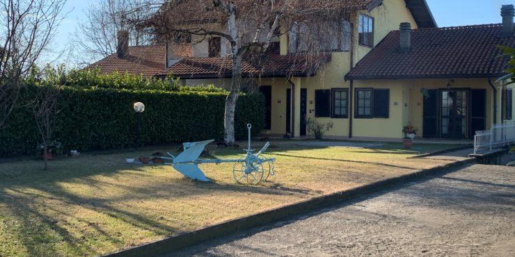NuovoPorzione di casa bifamigliare vicinanze Cuneo